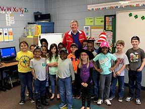 Mayor Fuller with Southview 1st Graders
